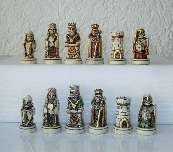 "Schachfiguren ""Mittelalter"""