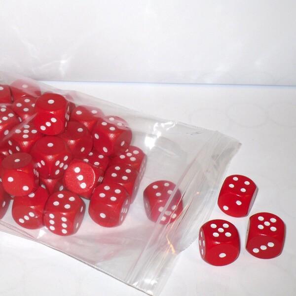 50 Würfel aus Ahornholz (16 mm), rot