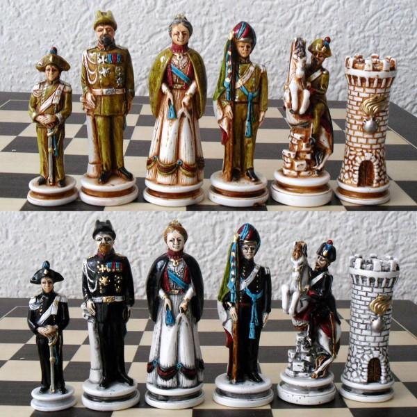 "Schachfiguren ""Geschichte der Carabinieri"""