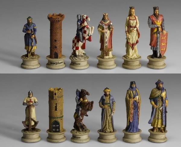 Schachfiguren Kreuzritter vs. Morgenland