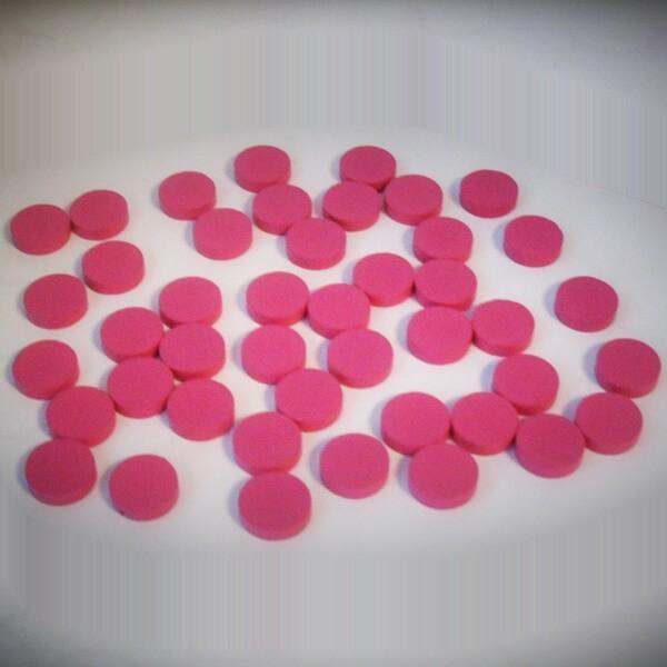 100 Spielchips, Roulette-Spielmarken, Zählchips aus Holz, pink (15 x 4 mm)
