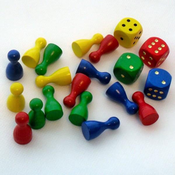 Spielset aus Holz mit 16 Spielfiguren (25 x 12 mm) und 4 Würfel
