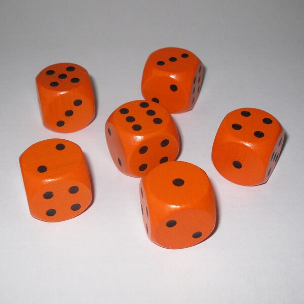 6 Würfel XL aus Ahornholz (20 mm), orange