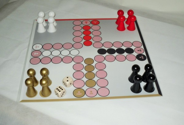 "Ludo ""Schwarz-Rot-Gold - Titan"", 42x42 cm"