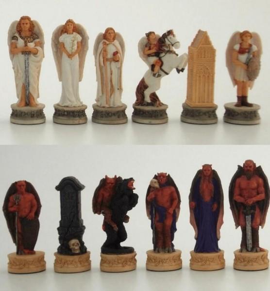Schachfiguren Engel vs. Teufel