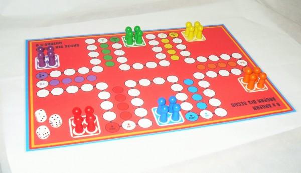 Sparpreis - Ludo für bis zu 6 und 8 Personen - doppelseitiger Spielplan 2 Ludospiele A3